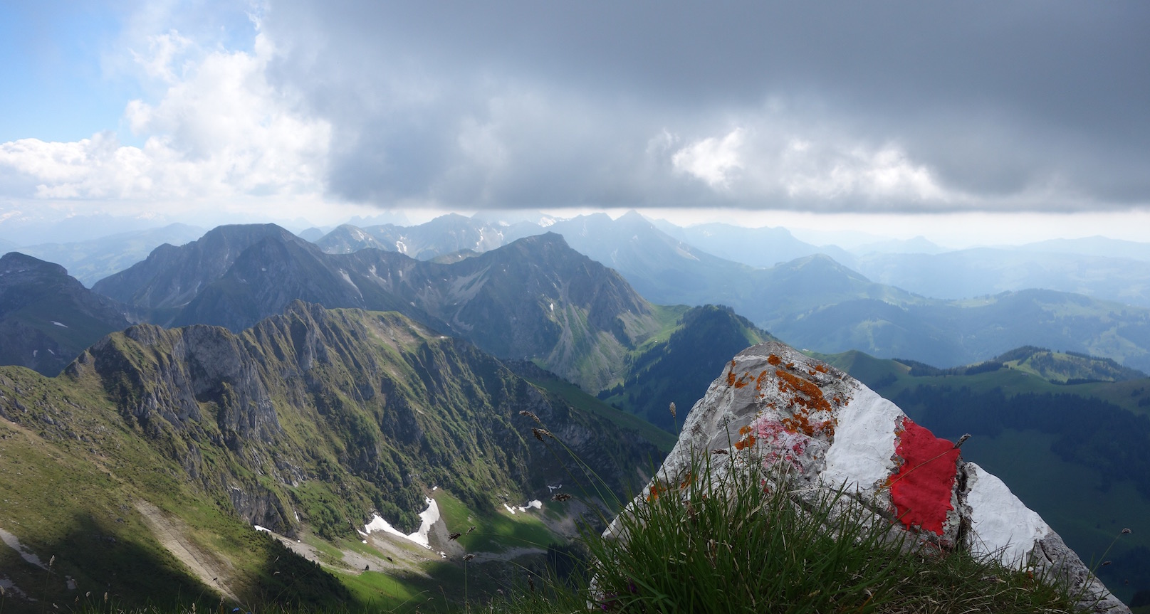 Gantrisch Naturpark: Von Gurnigel Schwefelbergbad hoch zum Ochsen